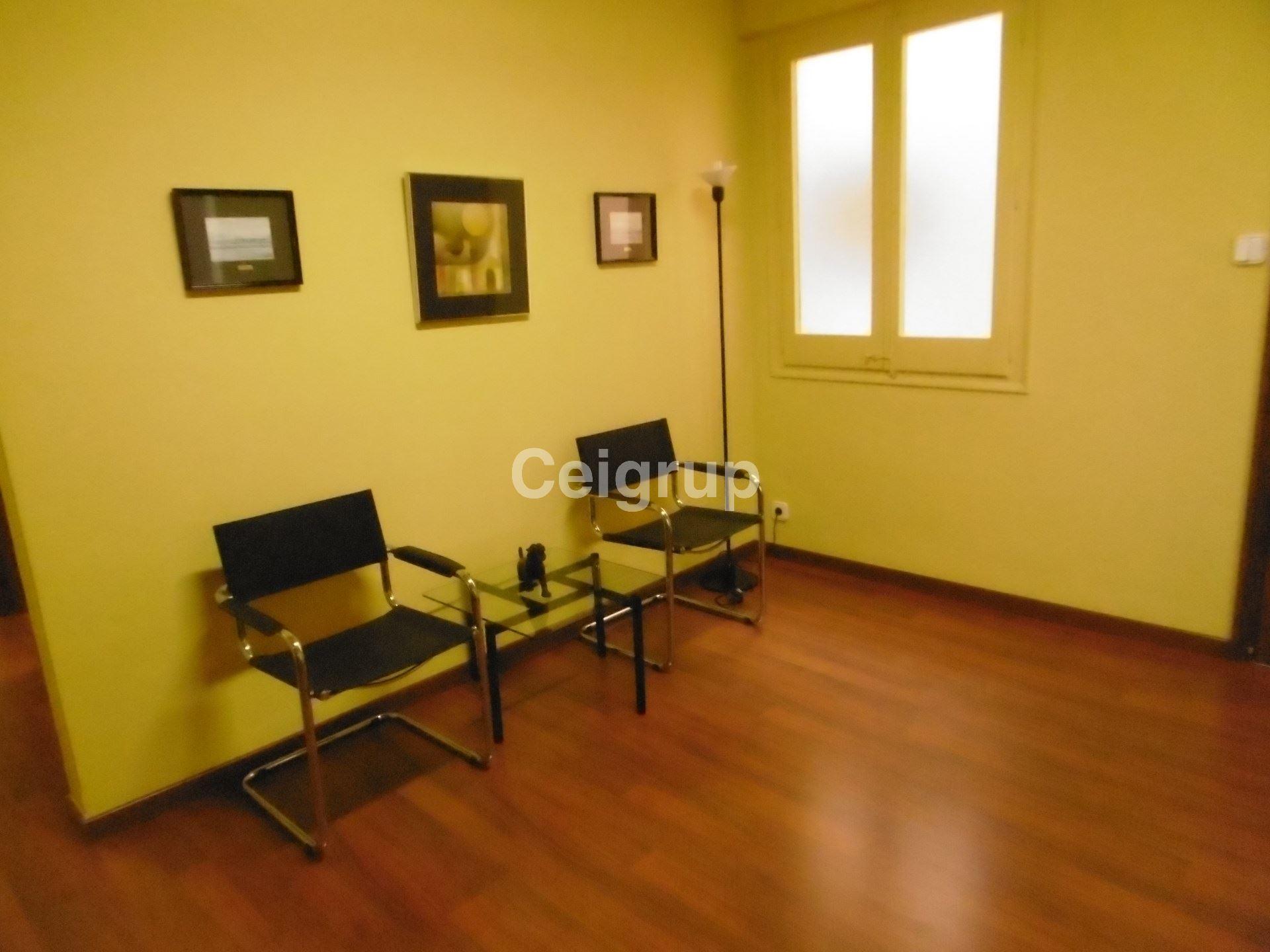 Alquiler oficina despacho figueres ceigrup inmobiliaries for Oficina de turisme figueres